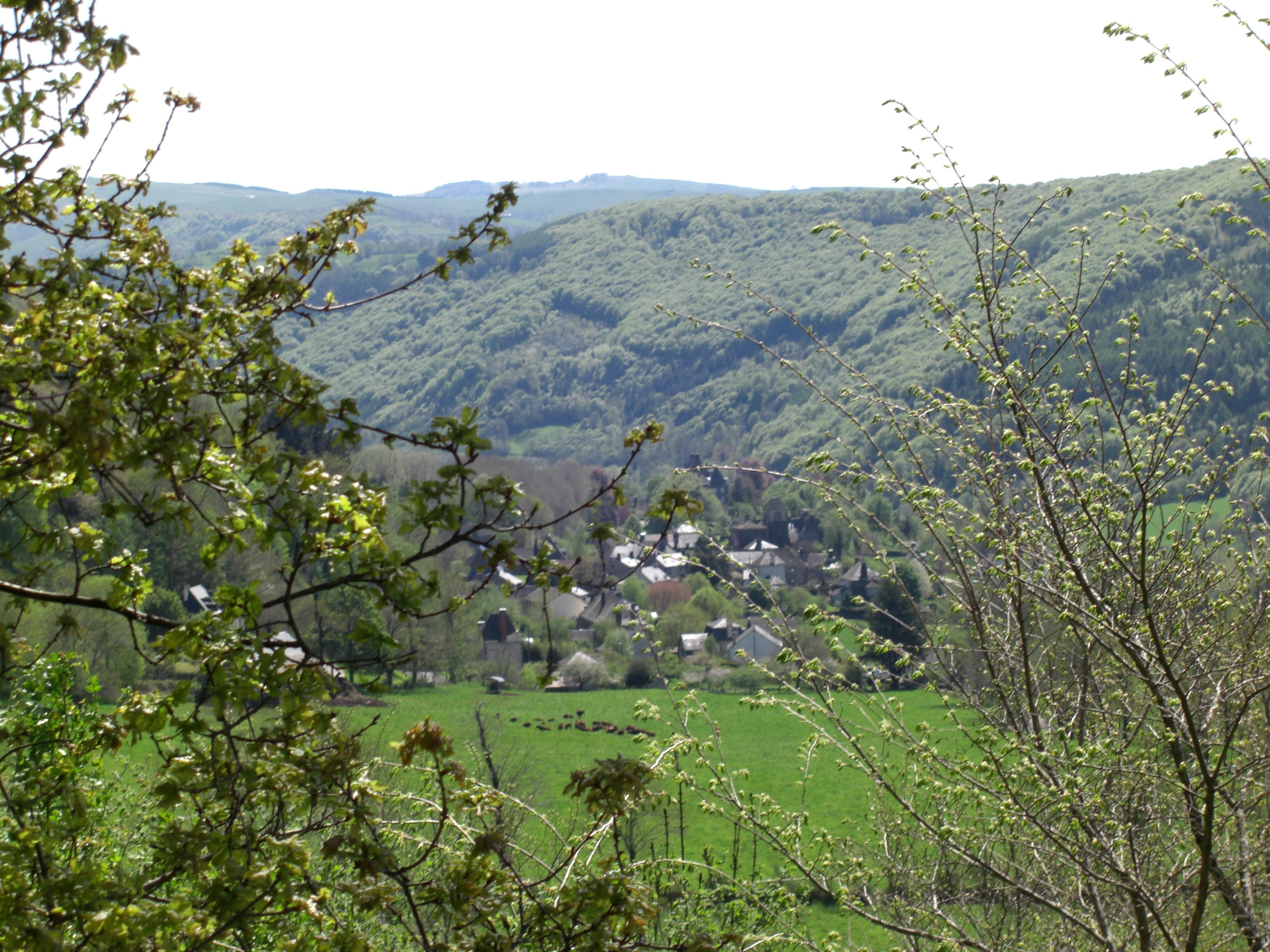 Le Bourg vu depuis la Route d'Auzeral
